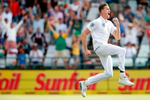 Morne Morkel, who retires like a happy thief in an illustrated children's book.