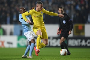 Ross Barkley fights for the possession of Fouad Bachirou of Malmo.