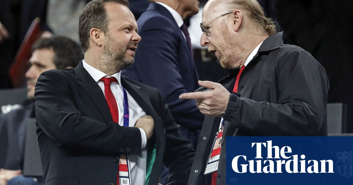 Police investigating after fans attack home of Manchester Uniteds Ed Woodward
