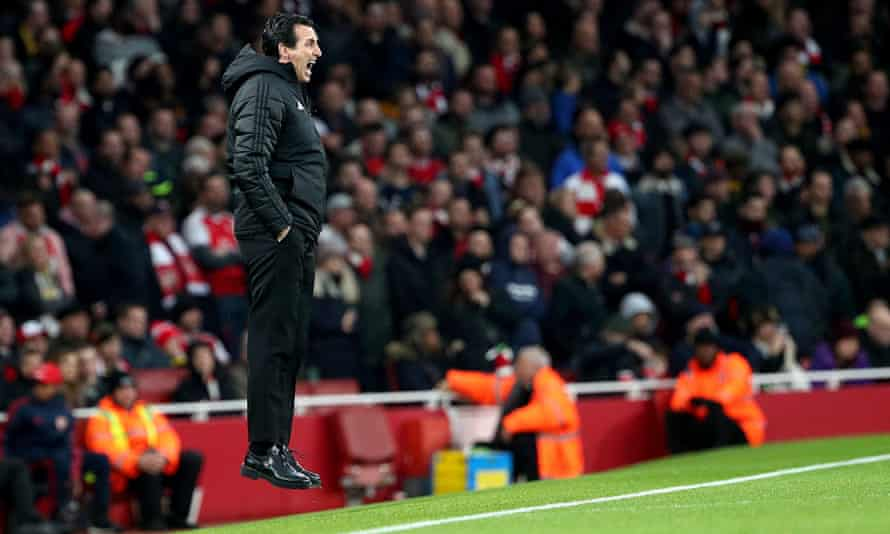 Unai Emery suggested Arsenal's confidence on the pitch could be lifted by their fans.