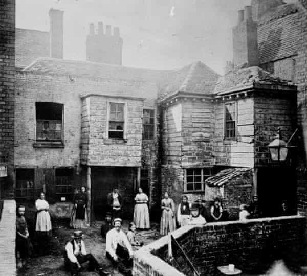 Kensington High Street in London circa 1895.