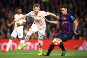McTominay breaks clear of Lenglet.