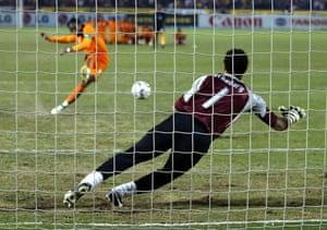 El-Hadari dives to save Didier Drogba's penalty during the shootout in the final of the 2006 Africa Cup of Nations between Ivory Coast and Egypt.