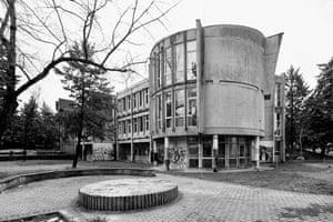 Nikola Karev High School (Janko Konstantinov, 1968)