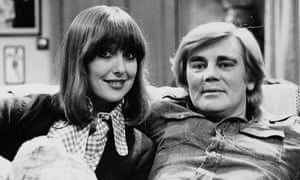Tony Booth as Mike Rawlins with Una Stubbs as his wife, Rita, in an episode of Till Death Us Do Part.