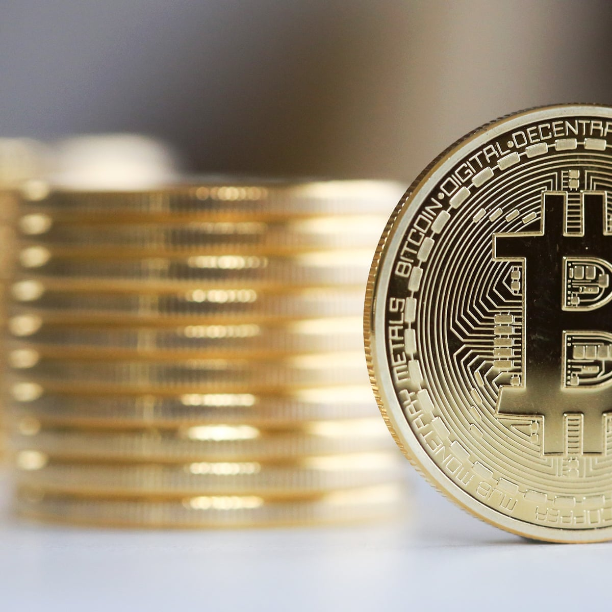 Bitcoin Is A Fraud That Will Blow Up Says Jp Morgan Boss Technology The Guardian