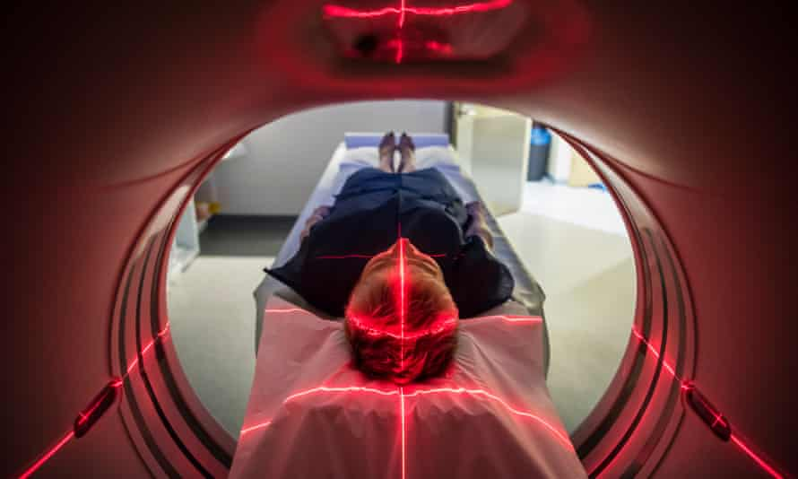 The councillors claim that performing PET-CT scans in mobile units will give less accurate results.
