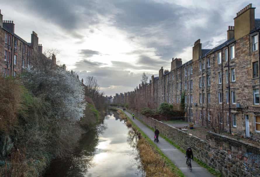 The Union canal at Viewforth, Edinburgh