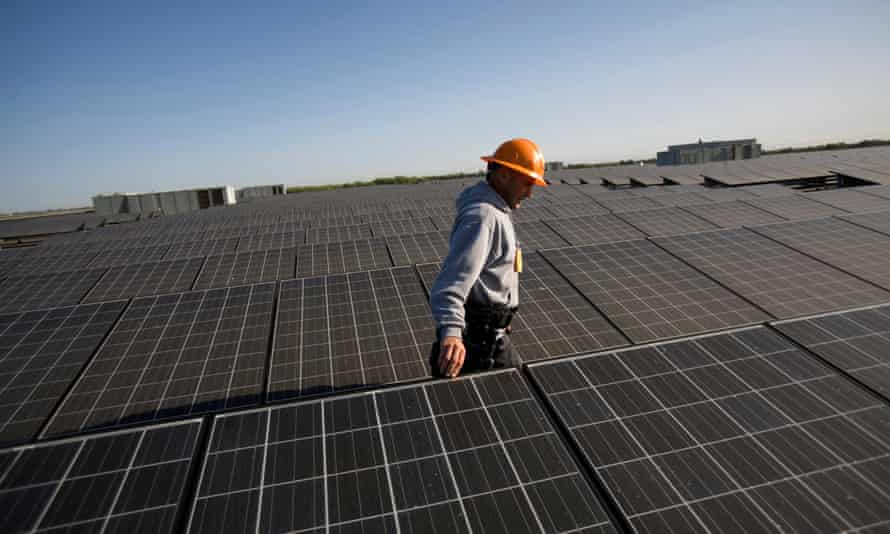 Rooftop array of solar panels in Woodland, California