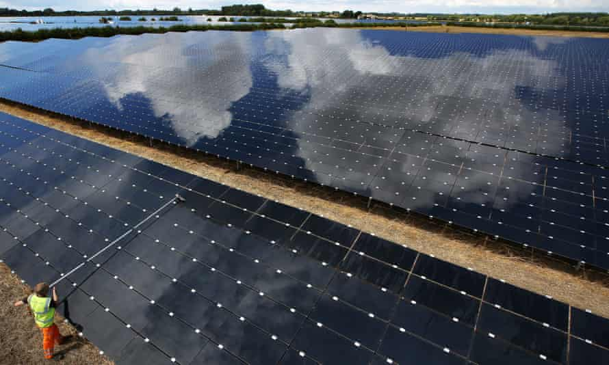 Landmead solar farm near Abingdon.