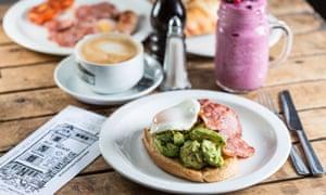 Avocado on toast, Cafe Alf Resco, Dartmouth.
