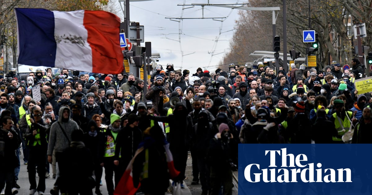 4480 - France pensions overhaul to go ahead despite huge protests | World news