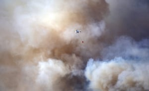 Turkey: a helicopter responds the forest fire that continues in the Aydincik and Bozyazi districts