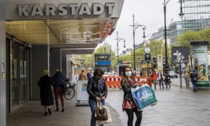 Shoppers wearing protective masks in Berlin