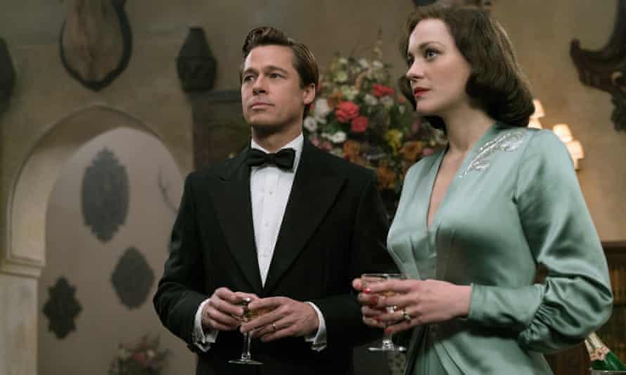 Brad Pitt and Marion Cottilard in Allied.