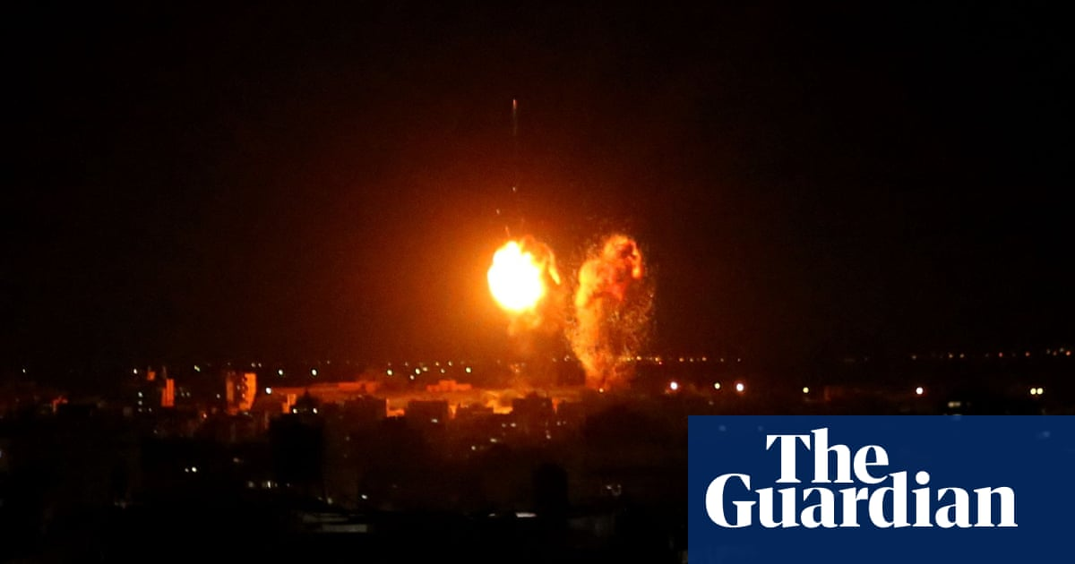 Israel responds to incendiary balloons with airstrikes on Gaza – video