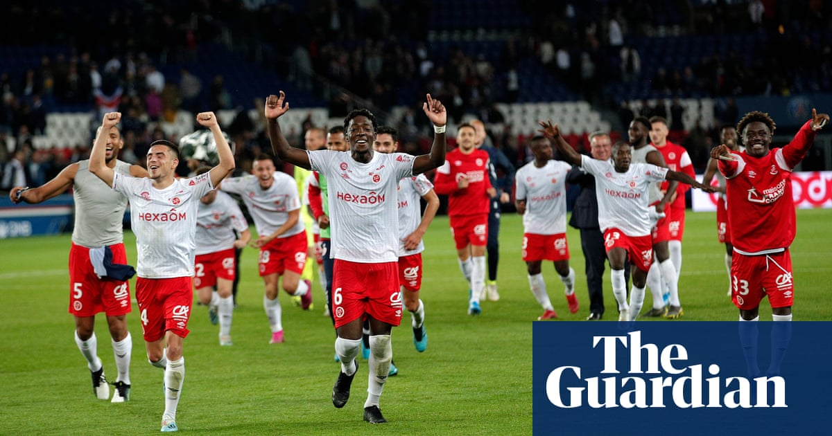 European round-up: PSG stunned at home by Reims as Real Madrid go top