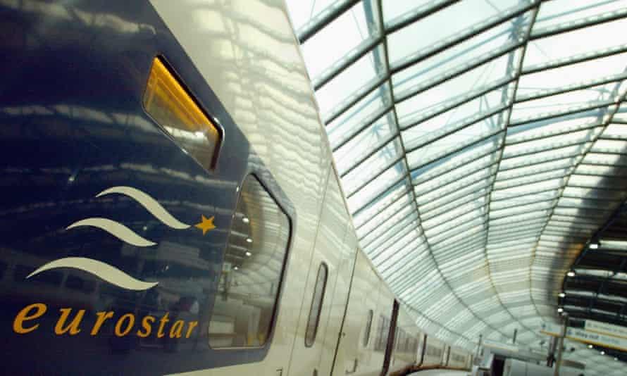 A Eurostar train at Waterloo Station, 2003.