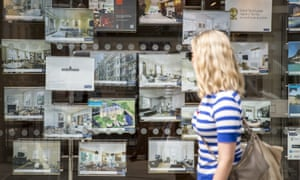 Private tenants pay an average of £337 in charges, according to research by Citizens Advice.