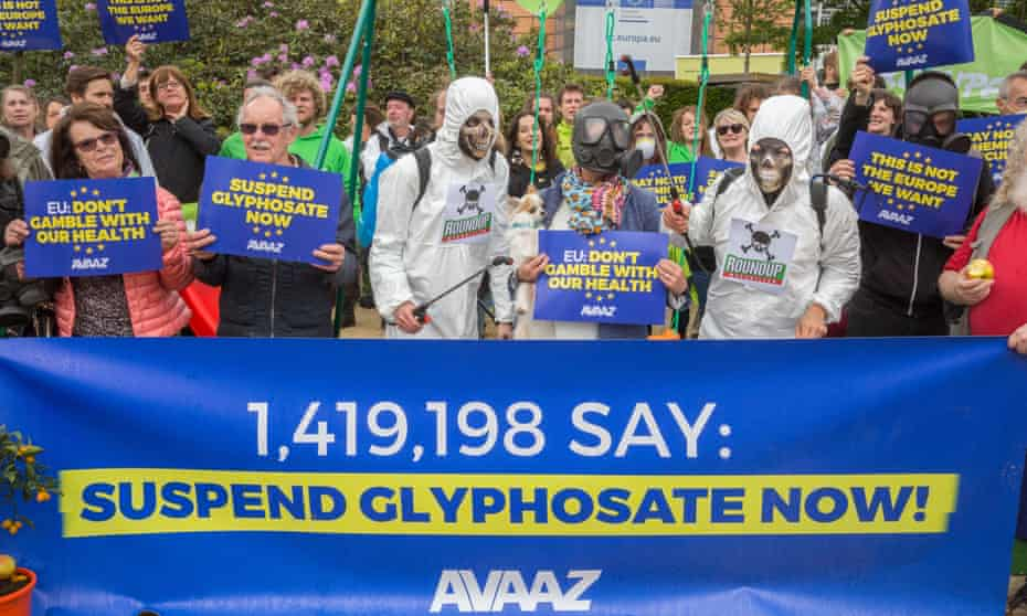 Members of global citizens' movement Avaaz demonstrate against glyphosate in Brussels, Belgium on 18 May 2016