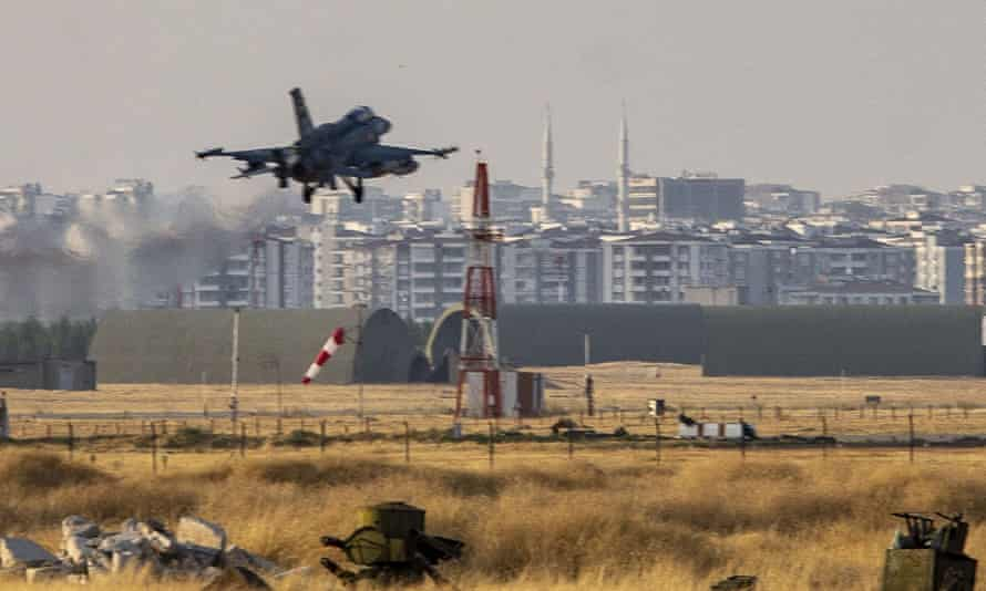 A Turkish fighter jet takes off from Diyarbakır.