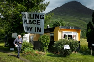 Kenneth Gibson goes to vote in the European Union remain or leave referendum at the caravan polling station at Lochbuie, Isle of Mull in the Inner Hebrides