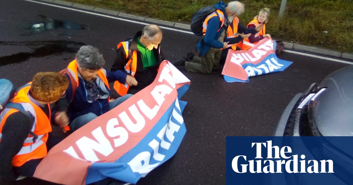 Activists block M25 for seventh time despite threat of fines and prison