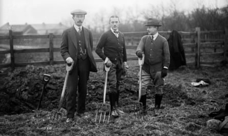 Allotment holders in Ilford, Essex during the first world war.