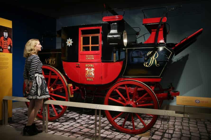 A Royal Mail coach, circa 1800.