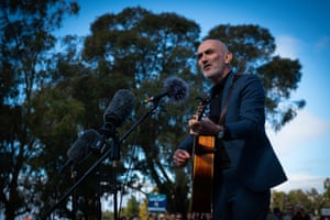 Singer songwriter Paul Kelly performs for an estimated 5000 strong crowd