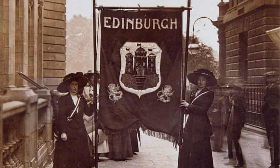 Edinburgh marchers with their banner ahead of the 1908 procession.