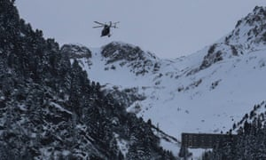 A helicopter flies to the avalanche site in January 2016