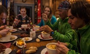 Refuge du Lac du Lou table interior with food