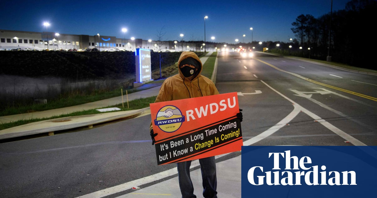 Amazon warehouse workers could get second vote on forming union