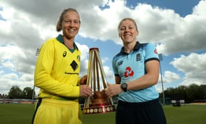 Previews: England v Australia  1st Royal London Women's ODI<br>LEICESTER, ENGLAND - JULY 01:  Heather Knight, (R) the England captain poses with Meg Lanning, the Australia captain as they hold the Ashes Trophy at Fischer County Ground on July 01, 2019 in Leicester, England. (Photo by David Rogers/Getty Images)