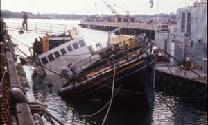 Picture taken on 14 August 1985 shows the Greenpeace boat sunk
