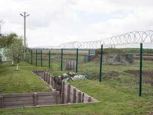 Boundary between Ukraine and Russia near Zhuravlevka