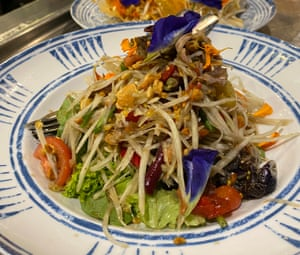 Som dtum with blue butterfly pea flowers from Chat Thai