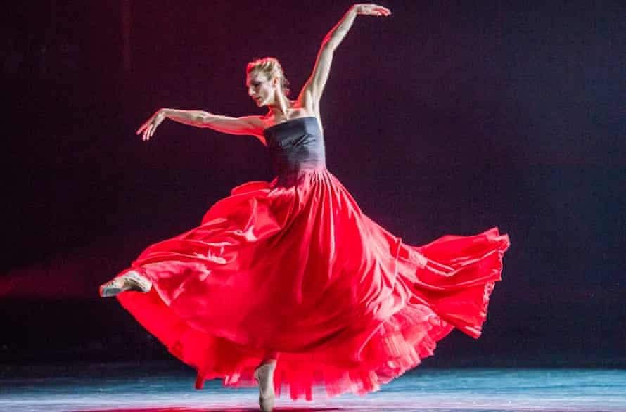 Zenaida Yanowsky in Symphonic Dances.