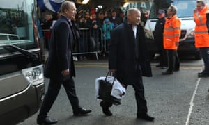Eddie Jones and his side were jeered off the team bus after arriving at Murrayfield, after the England coach's pre-match dismissal of Scotland's team as 'niggly'.
