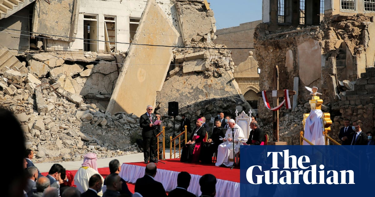 Pope Francis visits churches destroyed by Isis in northern Iraq