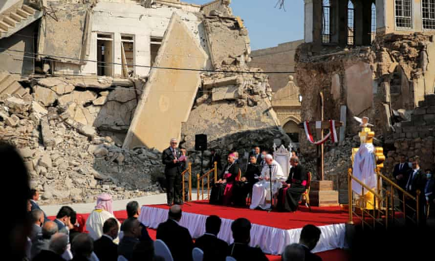 The pope prays for war victims at Hosh al-Bieaa, or 'Church Square', in Mosul's old city.