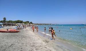 Alimini beach is sandy and spacious.