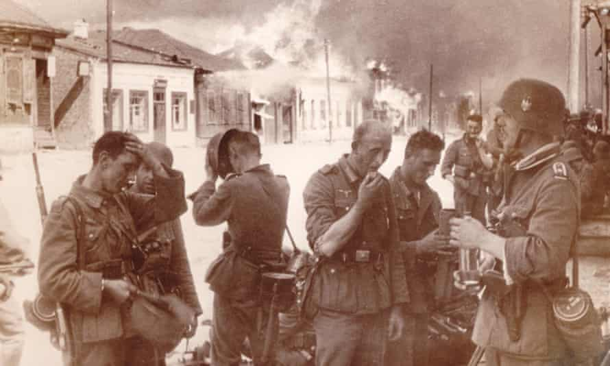 German soldiers during the invasion of Belarus in 1941