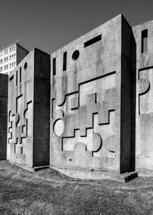 Hollaway, Antony Sculptural Wall Huyton, Liverpool 1968 Unlisted