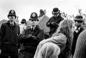 Police evict protesters fighting the building of the Solsbury bypass, May 1994.