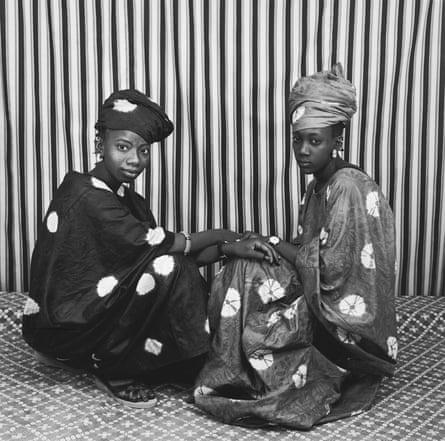 Deux amies Peulhs by Malick Sidibé