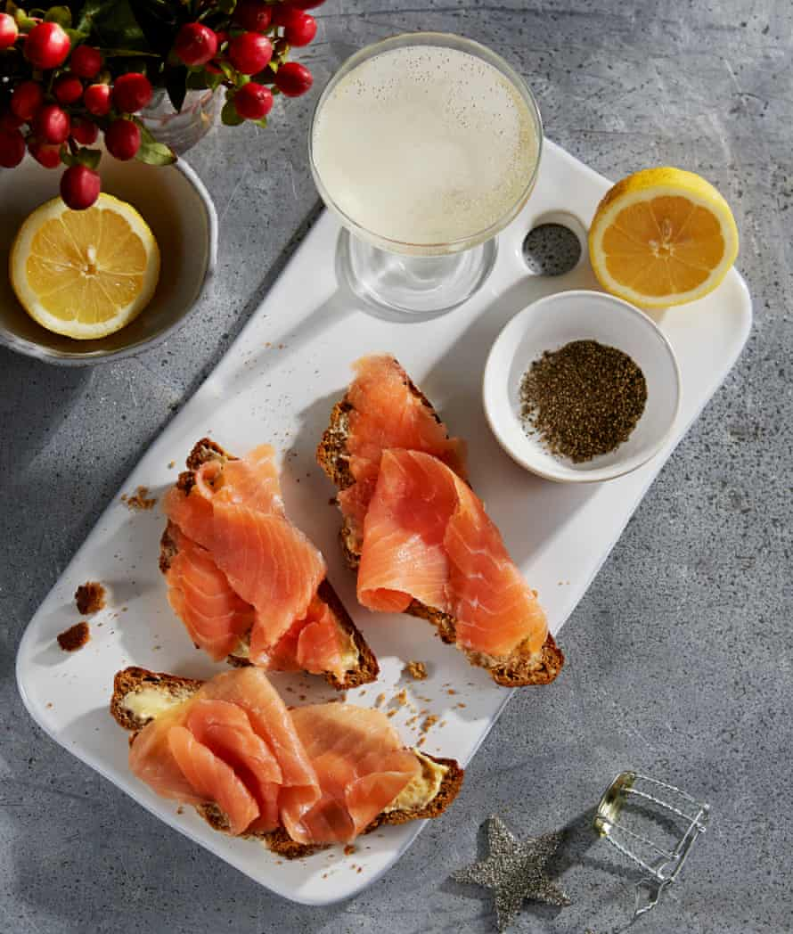 Jeremy Lee's beremeal treacle soda bread with smoked salmon