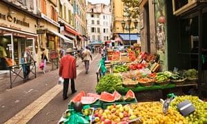 France, Provence-Alpes-Còte-d'Azur, Marseille . Greengrocer near the Marche (market) des Capucins