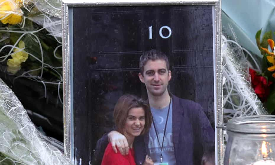 A picture of Jo and Brendan Cox outside 10 Downing Street